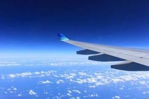 מטוס בשמיים